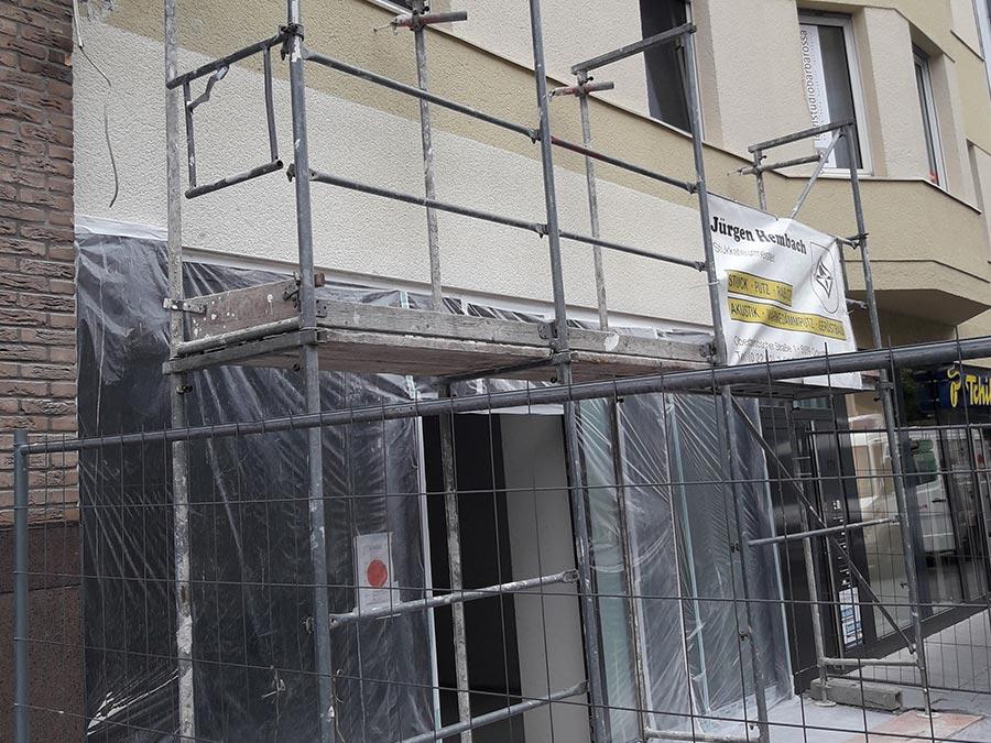 Fassadengestaltung mit Schaufenster